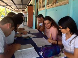 costa-rica-teaching-english-1