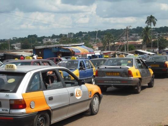 getting-around-ghana-taxi