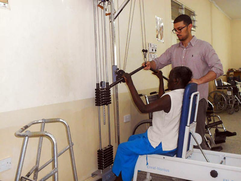 healthcare-volunteer-in-ghana-project