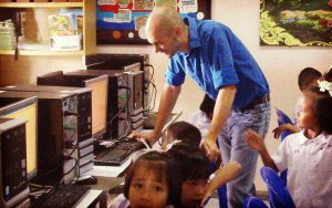 volunteer in thailand teach computer