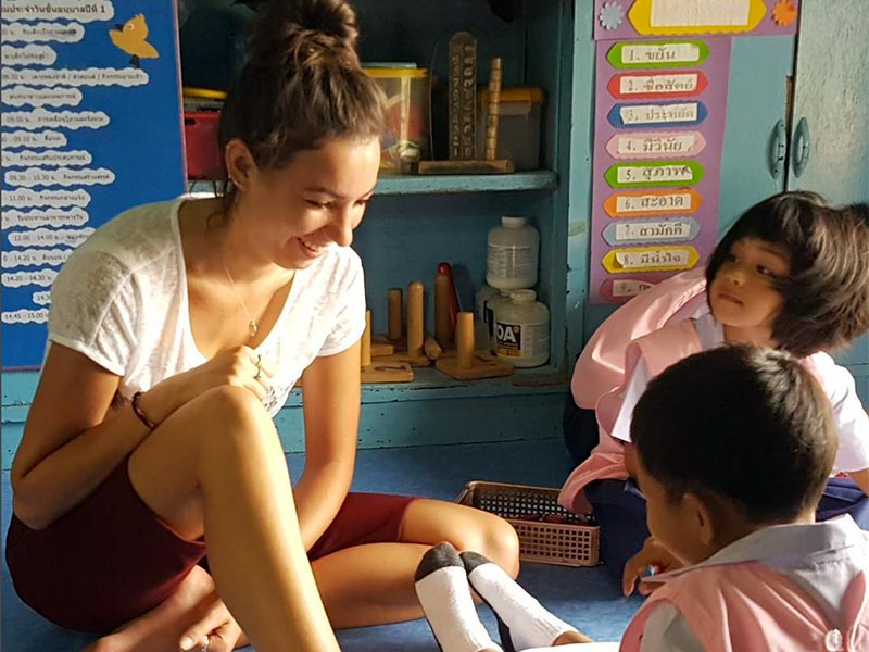 volunteer-to-teach-english-in-thailand